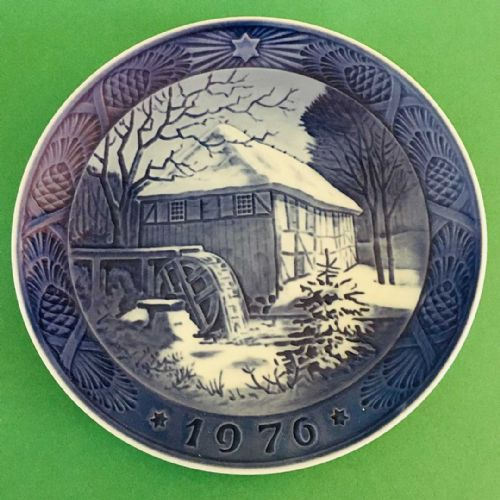Royal Copenhagen - Collector - Christmas Plate - 1976